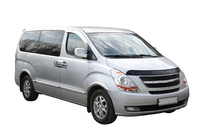 Transfer in private minivan from Vail city to Denver International Airport (DEN)