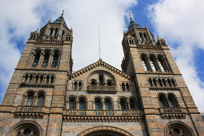London Natural History Museum Private Tour for Kids & Families