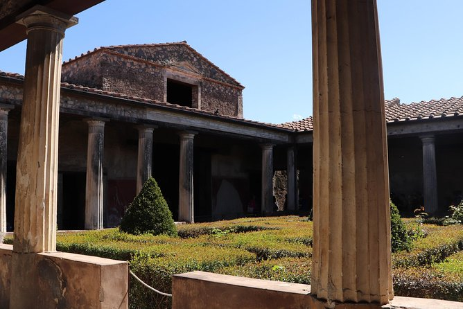 Skip the Line Pompeii Ruins Tour with Villa of Mysteries photo 3