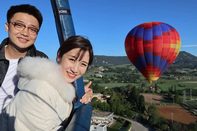 Private Barcelona Balloon 2 Pax including Breakfast in Restaurant and Champagne