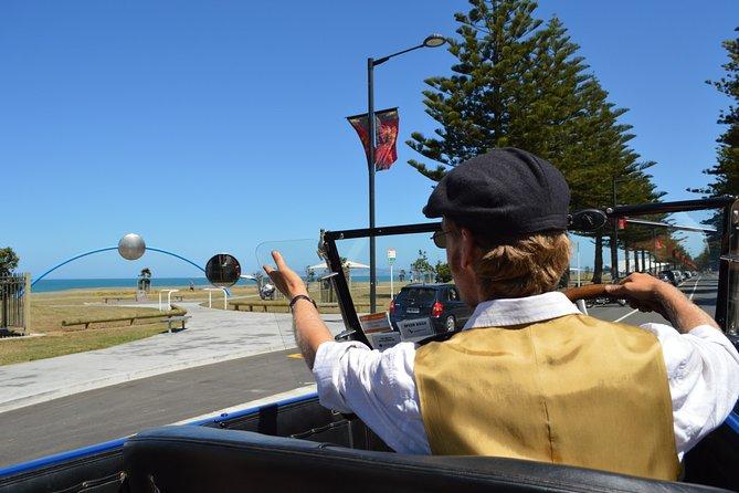 60-Minute Napier Deco City Tour by Vintage Car