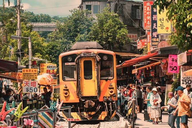 Jiufen & Pingxi Nostalgic Railway Private Day Tour with English-Speaking Guide