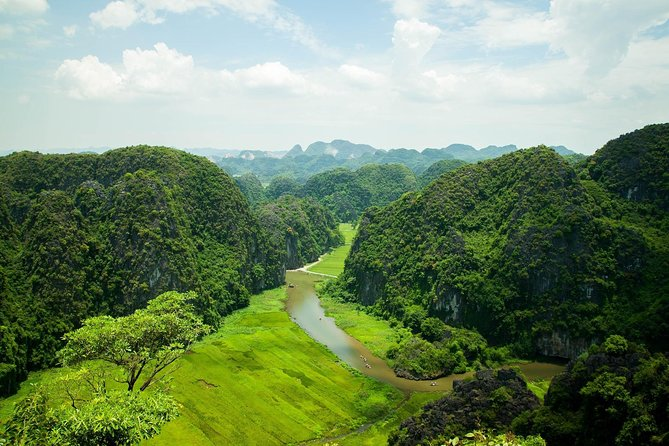 Tour Ninh Binh: Hoa lu - Tam coc with buffet lunch 1 day tour from Hanoi city