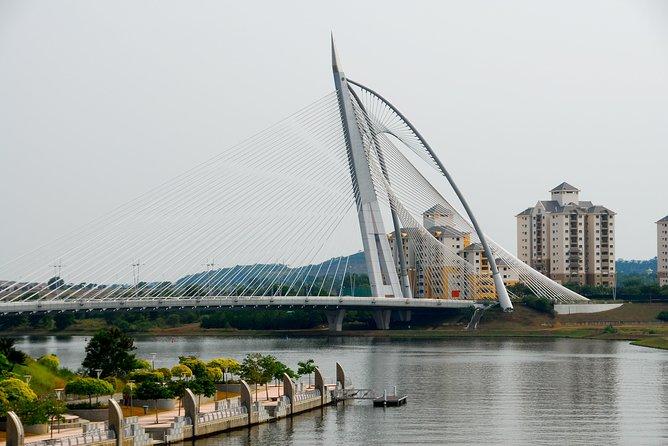 Putrajaya Half-Day 8 Attractions City Tour