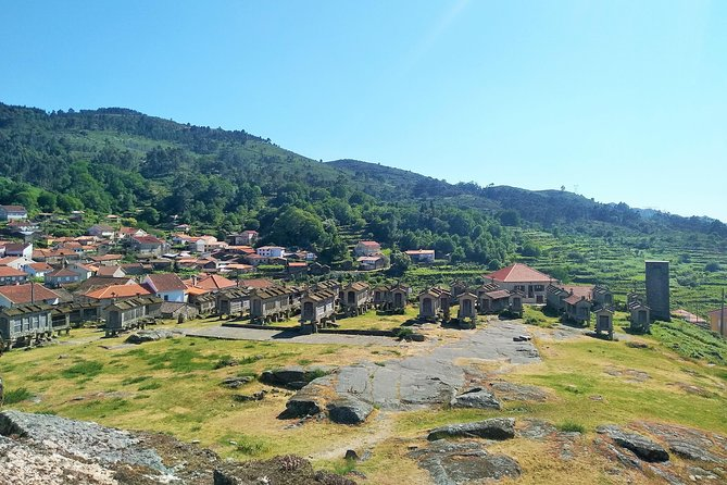 Minho full-day private tour from Porto - Sanctuary, Castle, Granaries, and more