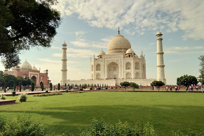 Same Day Agra Tour From Mumbai with Return Flights