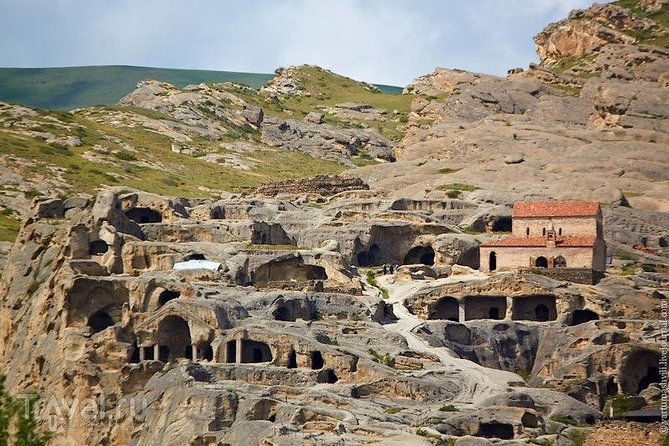 Cave city Uplistsikhe and Stalin Museum
