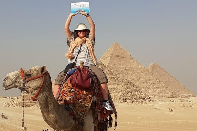 Cairo Stopover Day Tour to Giza Pyramids And Egyptian Museum & Bazaar