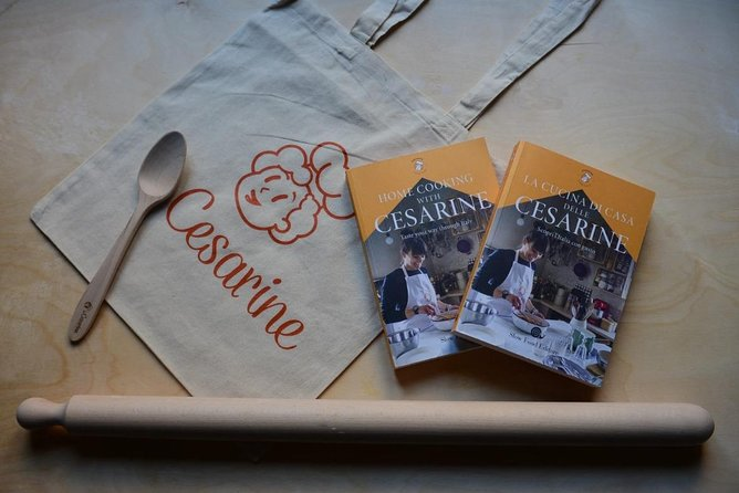 Master of Pasta: Cooking Class & Recipe Book by Cesarine and Slow Flood