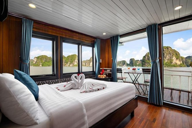 Halong Bay 3 Days 2 Nights(Charm Cruise Balcony Room and Seaview Cat Ong Resort)
