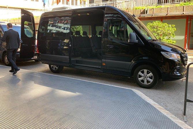 Arrival Private Transfer from Riga Airport RIX to Riga City by Minibus