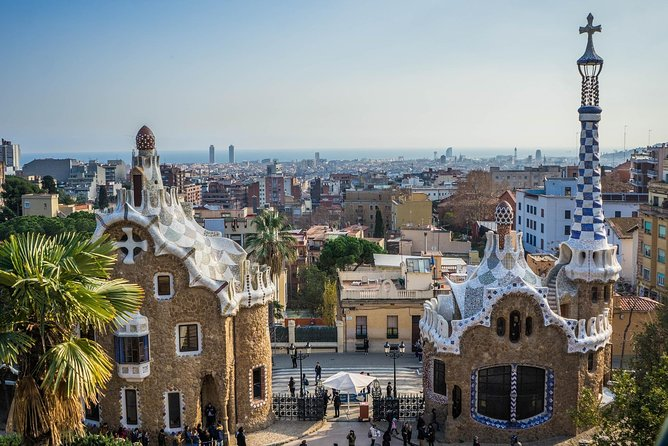 Private Contrast Barcelona Tour (4 Hours) - From Barcelona