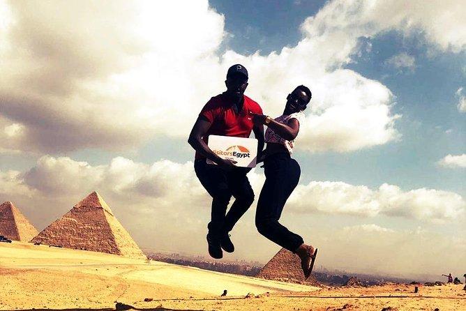 Private Tour to Pyramids,Sphinx & Museum.