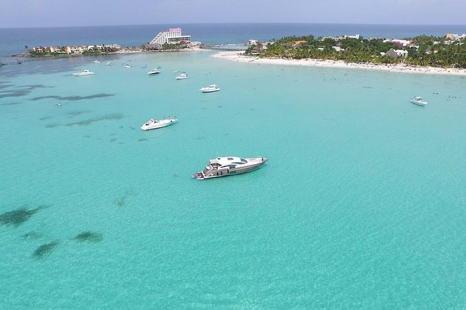 Unforgettable Tour in Catamaran Isla Mujeres Unlimited From Playa Del Carmen