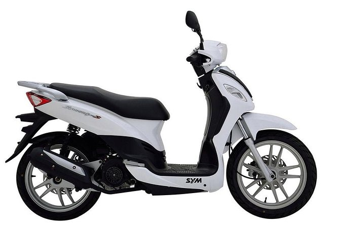 Scooter rental 125c.c.