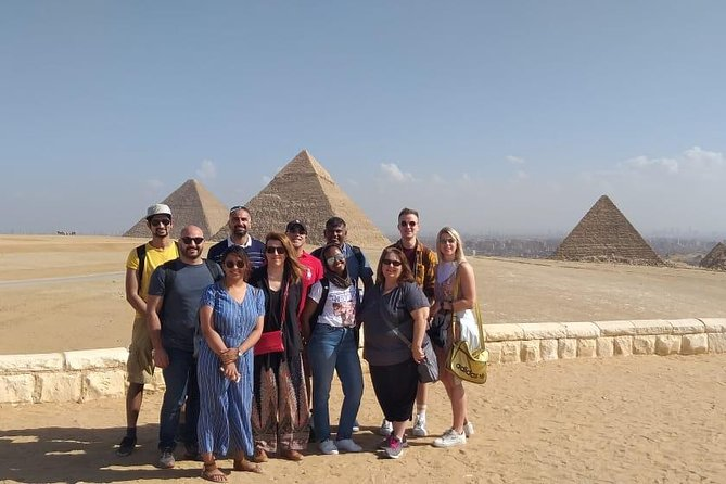 Guided Tour to Pyramids,Sphinx ,Egyptian Museum & Khan El-khalili with Tickets