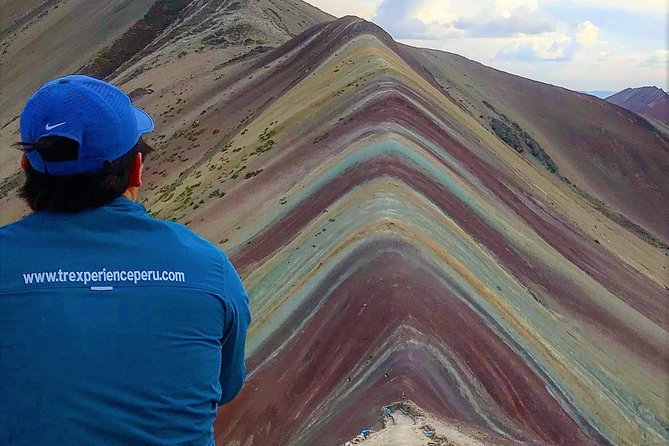 Rainbow Mountain & Red Valley (Beat the crowd)