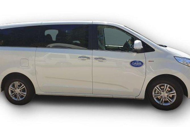 Luxury Van, Private Transfer, Cairns Airport - Port Douglas.