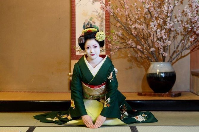 ‹dinner time›Private time with maiko at a high-class Japanese-restaurant photo 1
