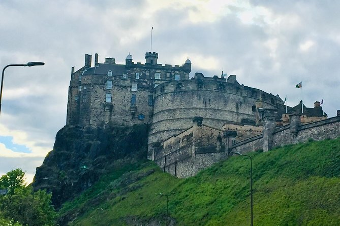 Explore Edinburgh - A private walking tour of the old town of Edinburgh photo 7