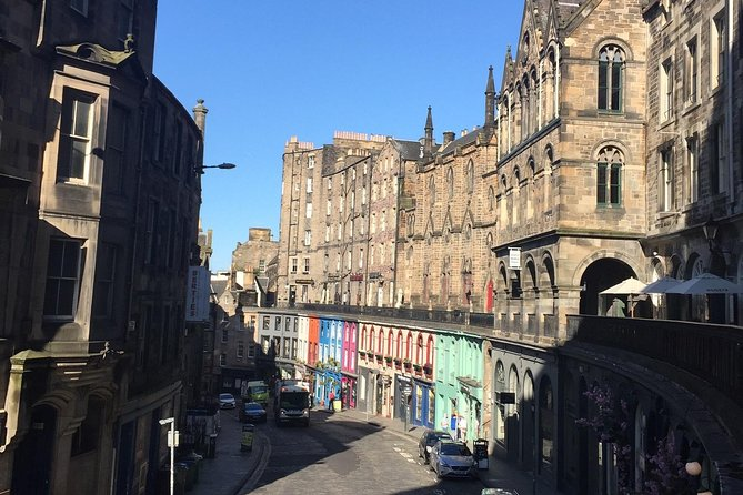 Explore Edinburgh - A private walking tour of the old town of Edinburgh photo 3