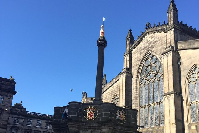 Explore Edinburgh - A private walking tour of the old town of Edinburgh photo 6
