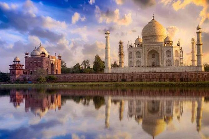 Private Agra Taj Mahal Tour From Delhi by Car with Lunch