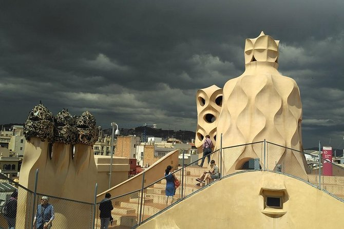 Decoding Gaudí on a private tour with official guide photo 4