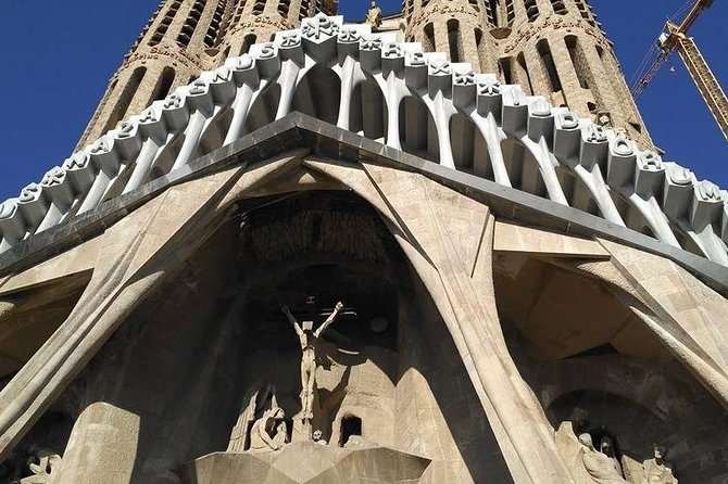 Decoding Gaudí on a private tour with official guide photo 10