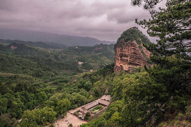 Private Day Tour Tianshui Maiji Shan Caves from Xi'an by Bullet Train