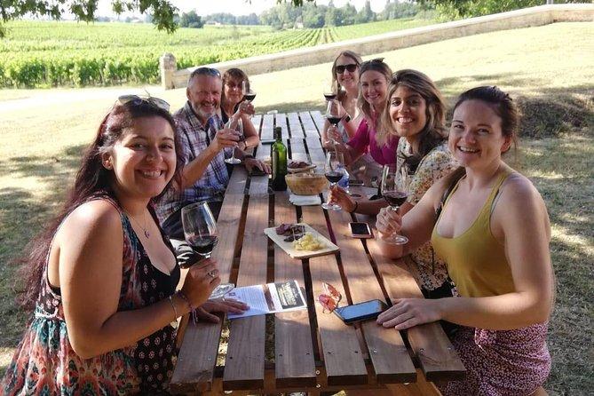 Excursão de vinhos e gastronomia para grupos pequenos em Saint-Émilion com degustação saindo de Bordeaux