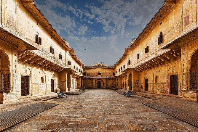 4 Days Luxury Golden Triangle Tour to Agra & Jaipur From Delhi With 5 Star Hotel