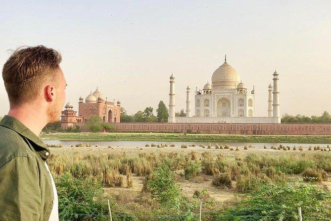 All Inclusive: Taj Mahal Tour from Delhi by Car