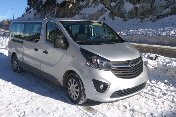 Private Transfer from Disneyland Paris to Paris Airport CDG or ORY by Minivan