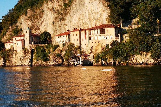 A private wintertime tour on lake Maggiore