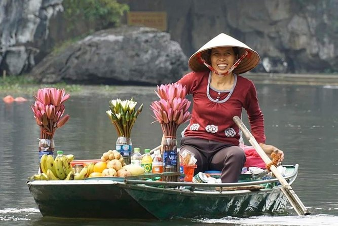 Ninh Binh Backstreet Tours - BOAT, BIKE & DAY IN THE LIFE