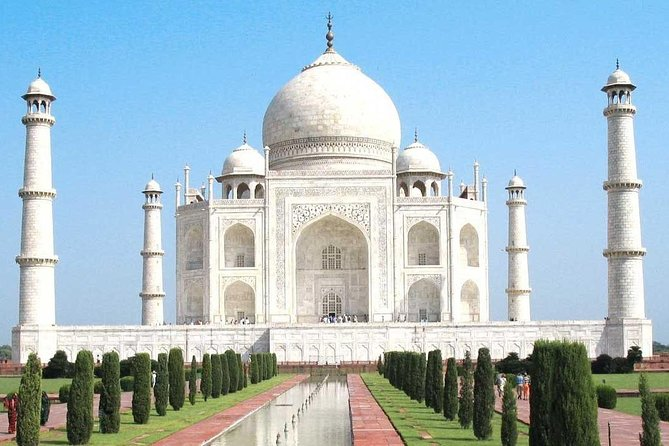 FAST TRACK to Taj Mahal & Agra Fort from Delhi in a day