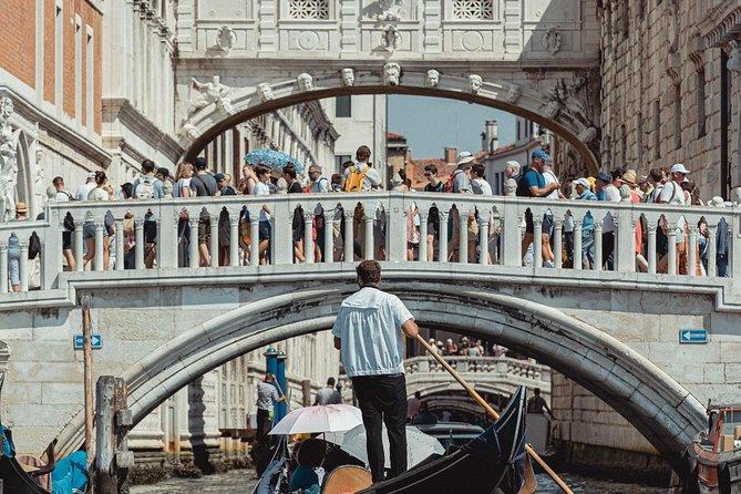 Private Gondola Ride Danieli - Bridge of Sighs