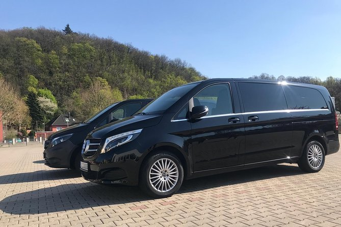 Private Transfer from Passau to Prague with Stop in Cesky Krumlov for 2-7 people