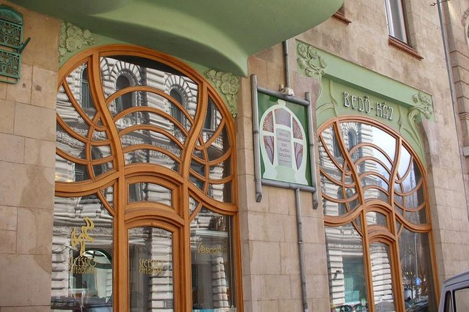 The Secession/Art Noveau in Budapest, private tour by car and guide!