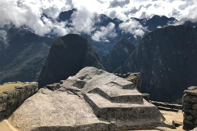 7-Day Machu Picchu and Sacred Valley Luxury Tour from Lima