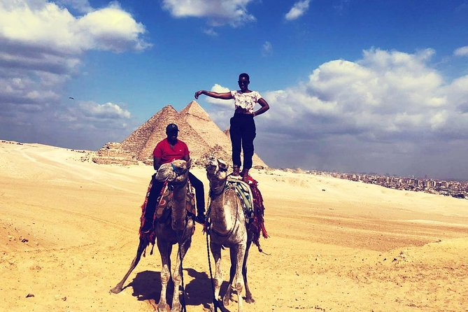 Half-Day Camel Ride Private Tour around the Pyramids of Giza