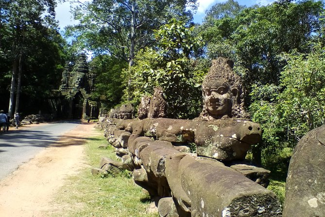Private 4 Day Tour to World Heritage Sites Siem Reap, Kampung Thom, Phnom Penh photo 2
