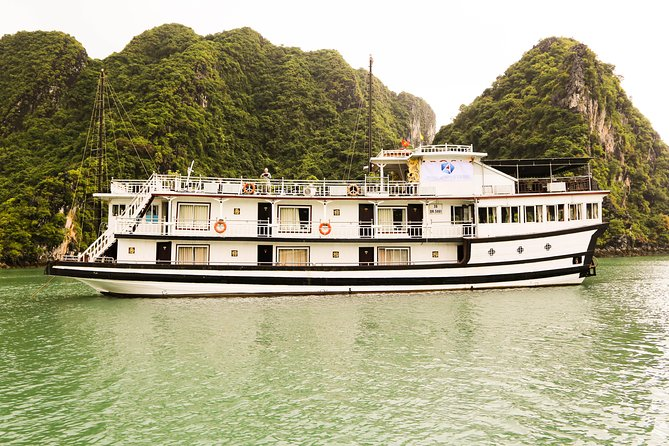 Tour Package Halong Bay On Cruise 3* With Cooking Class & Kayak 2 Days 1 Night