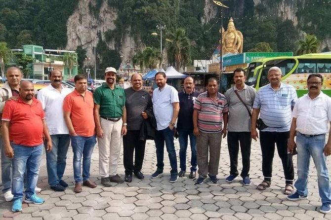Kuala Lumpur International Airport To Genting Highlands City EN-ROUTE Batu Caves