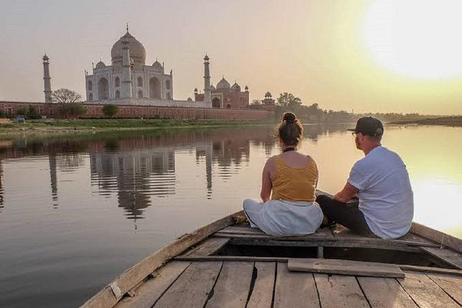 Overnight Agra Tour From Mumbai With Return Flights