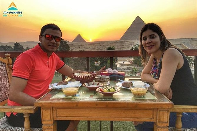Great Pyramid Inn Lunch With Pyramids View photo 3