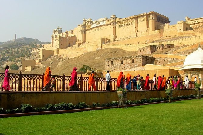 2-Days Guided Tour Jaipur & Taj Mahal from Jaipur With 4 Star Hotel & Lunch