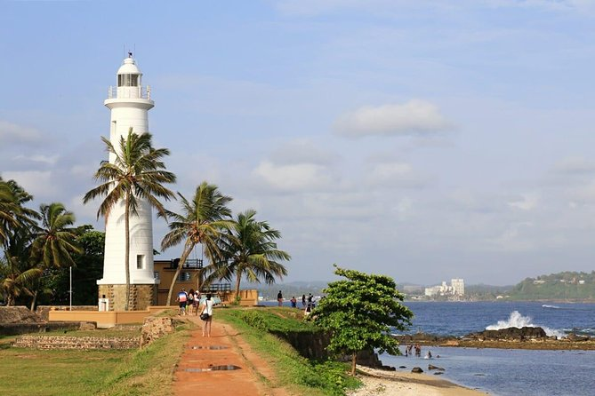Explore Nature and Heritage in Galle from Colombo (All inclusive day tour)