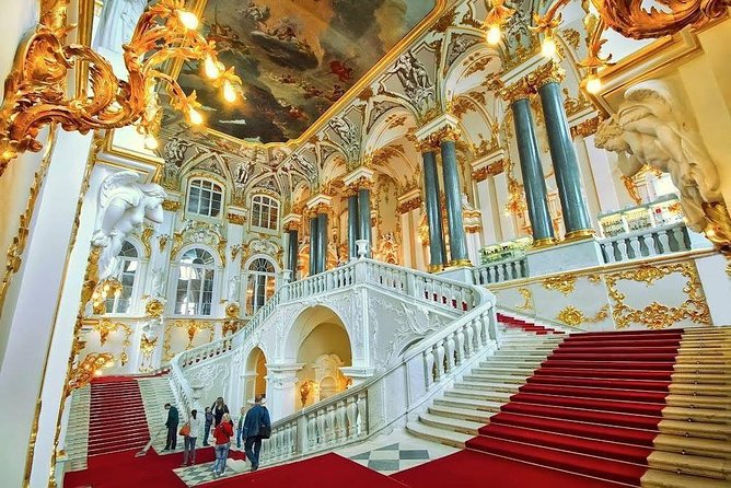 One-day tour of St. Petersburg with the Hermitage 8 hours